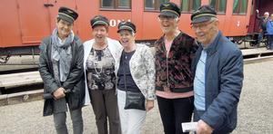 Några glada resenärer från SPF Borlänge som varit ute på nostalgisk järnvägsresa.