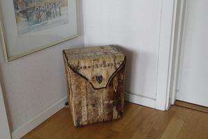 En så kallad kont, en ryggsäck i näver, köpte Sanna för några hundra kronor på Stora torget i Västerås.