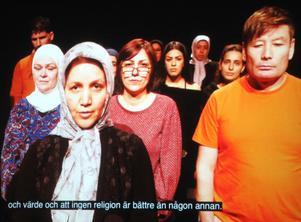 Filmens skådespelare är flyktingar. Närmast från vänster Feribe och Hamed. Foto: Privat