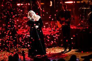 Sarah Klang framför låten Left me on fire under P3 Guld-galan i Partille arena utanför Göteborg.Foto: Björn Larsson Rosvall / TT