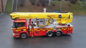 Det är precis på höjden att vissa brandbilar kan rulla in i brandstationen på Björneborgsgatan. Foto: Räddningstjänsten