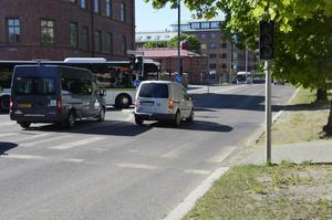 Sundsvall kommun kommer att bygga om Skolhusallén under sommaren för att få ner farten på sträckan.