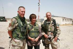 Bildtext. SER OCH LYSSNAR- Mona Sahlin har rest till Afghanistan för att lära sig mer om landet och kriget. Men vilka slutsatser drar hon?