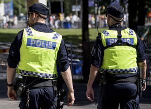 Skribenterna vill ge polisen utökade befogenheter. Foto: Christine Olsson/TT