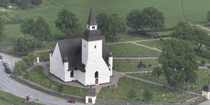 Skolungdomar kommer att visa Sorunda kyrka under veckorna 27, 28 och 29.