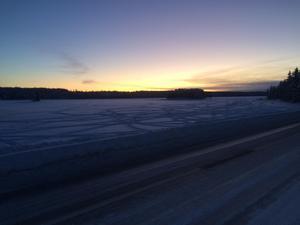 Bilden tog i Särna, i norra delen av Älvdalens kommun, på måndagsmorgonen. Väderstationen i Särna uppmätte -32,8 grader vid niotiden, vilket är den kallaste noteringen i hela landet.