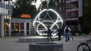 De nya konstverken på Pettersberg ska bidra till ökad trygghet och trivsel och på så vis stärka ansvarskänslan för det egna bostadsområdet och minska brottslighet och skadegörelse. Foto: Mikael Richter