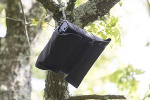 En fladdermus box som spelar in fladdermusen under natten. Ljudet ska analyseras under hösten.