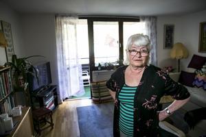 En dyr klocka och kontanter blev tjuvens byte när han tog sig in i Anitas lägenhet.