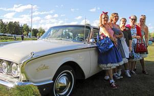 Dessa Eskilstunadamer åkte i en Ford Galaxy -60 i fjol när Tjejernas veteranrunda arrangerades i fjol.