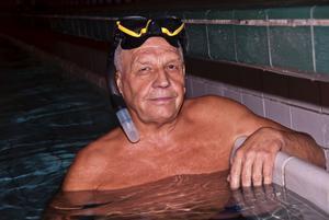 När Köpings Sportdykarklubb firar 50 år 2011 tänker Ragnar Johansson dra på sig dykutrustningen igen.