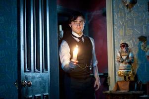 """""""The Woman In Black"""". I filmen spelar Daniel Radcliffe en advokat som dras in i en spökhistoria."""