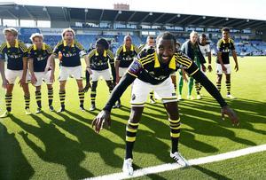 Henok Goitom gjorde 18 mål för AIK i allsvenskan förra säsongen. Mot Valbo blev det dock inget.