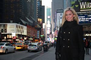 Times Square i New York är numera hemma för Julia Persson. Sedani oktober trampar hon New Yorks gator varje dag.