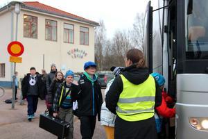Extra skolskjuts har satts in till de barn som bor i Västerby. Inga barn får själva gå över vägen.