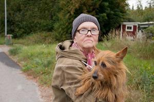 Irene Karlsson, 74 år,  pensionär och hunden Ada, Skinnskatteberg:–Nej, det har jag inte. Jag har inte vetat om att den finns.