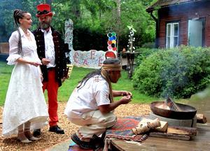 I slutet av maj vigdes Vivianne och Tapani Sokero borgerligt, en månad senare med en shaman vid en egen ceremoni.