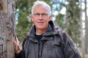 Skog är även turism och lika viktig som skogsbruk, skriver Bengt Oldhammer i Naturskyddsföreningens bok Skogslandskap farväl.