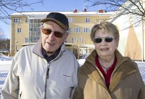 Johnny och Birgit Törnqvist, Iggesund:– Väldigt roligt med den lilla prinsessan. Men vi trodde ju att det skulle ske först i början av mars. Kristina skulle nog vara ett bra namn.