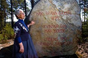 De är 40 år i sommar sedan minnesstenen sattes upp över de 71 personer, nästan uteslutande kvinnor, som brändes på Häxberget.
