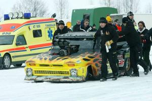 Freddy Fagerström var det ingen som ville missa. Även fast hastigheten inte var den snabbaste så var han den som samlade alla runt sig då han kom ner på isen.