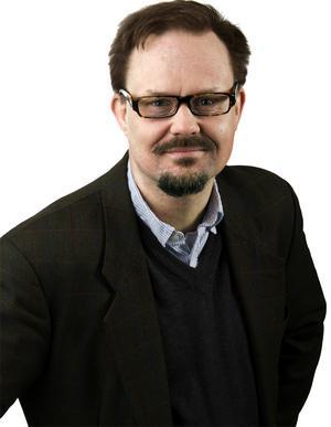 Jens Runnberg - pappeledig kulturredaktör som inte kan kan hålla sig från tangenterna.