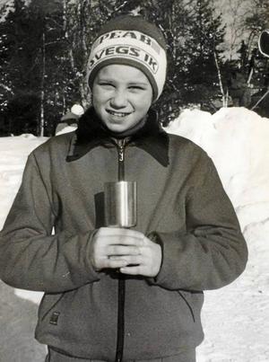Ida Ingemarsdotter med segerpokal från DM-tävlingar i Vemdalen1994.
