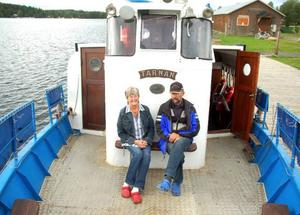 Sommaren har varit en rekordsommar för turistnäringen i Strömsunds kommun. Det är Stig Eriksson och Margareta Byström, som arbetar på MS/Tärnan, glada för.Foto: Jonas Ottosson