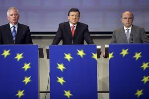Centralmakten. EU-kommissionäreren Charlie McCreevy och Kommissionens president José Manuel Barroso kan inte bygga Europa uppifrån.