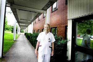Har ändrat sig. Sven Britton har lång erfarenhet som läkare men blev ändå mycket starkt berörd av hur snabbt den svininfluensasmittade 26-årige Sandvikenbons tillstånd blev livshotande. Det har fått honom att ändra sig i frågan om vaccination. Nu uppmanar han alla som kan att vaccinera sig.