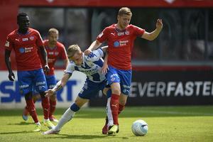 Efter att Helsingborg åkt ur allsvenskan ryktas nu den centrala mittfältaren Darijan Bojanic till Östersund.