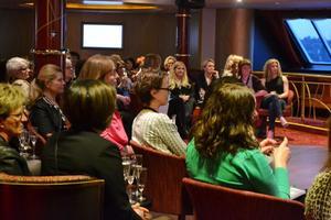 Över 200 kvinnor från länets samtliga kommuner var representerade på kraft- och kompetenskryssningen.