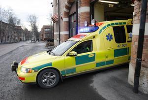 Ambulansen fick rycka ut till en arbetsplatsolycka i Gällö på tisdagskvällen.