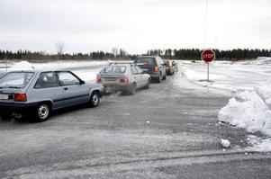 Det traditionsenliga arrangemang som erbjudit allmänheten halkkörning på Östersunds motorstadion ställs i år in på grund av det milda vädret. Foto: Jonas Solberger