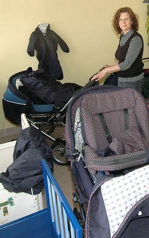Begagnade barnvagnar kan man hitta en del hos Agnetas Pryl & Cafe.