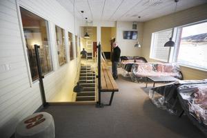 För 25 år sedan byggdes Café Olympia av Arne Hafstad och som numera ägs till största delen av Åke Ljungberg.  Anläggningen har byggts ut med bland annat fler sköna sittplatser och en toalettavdelning en trappa ner.