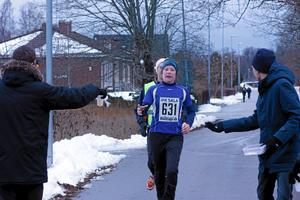 IFK Salas Kristin Brodin vann damklassen och slog nytt personligt rekord med tiden 3.07 vid Vintermaran i Sala. Foto: Niclas Bergwall