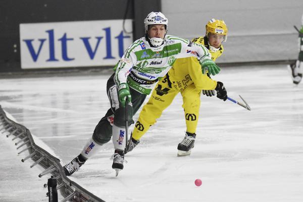 Ted Bergström får se måndagens match mot Edsbyn från sidan.