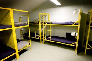 blivande hotellrum. De gamla logementen har  50 sovplatser avsedda att användas i kristid. Nu ska rummen byggas om till sex modernare hotellrum.
