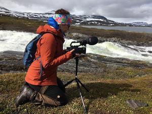 Dokumentärfilmaren Pia Johansson har länge arbetat med film. Senaste projektet är en skildring av människorna som vistas i fjällmiljö.