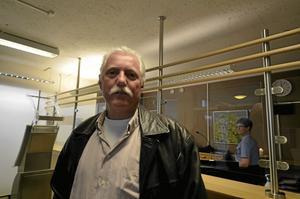 Ordförande på besök. Gunnar Persson efterlyser någon hos polisen att kontakta angående grannsamverkan.