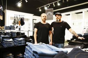 Johan Bergman och Jonas Jansson. Butikschefer för Jeansbolaget i Gävle och Valbo.