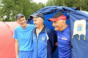 Henken Eriksson, Folke Eriksson och Nore Westin, ett glatt veterangäng från I19 IF i Boden.