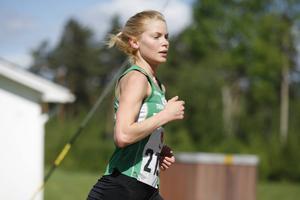 Erika Lindström sprang första sträckan för Trångsvikens andralag, som kom fyra i tävlingsklassen.