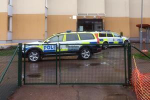Polisen larmades till en lägenhet i bostadsområdet Järnet på tisdagseftermiddagen.