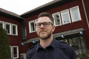 En av kommunpolis Thomas Nordström uppgifter är att arbeta med medborgarlöften