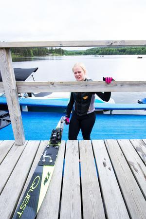 Cajsa Larson, elev på riksidrottsgymnasiet för vattenskidor i Fagersta, är nöjd med träningsmöjligheterna.