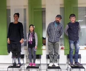 Koreograferna Destiny Bergwall och Linn Johansson är ett skaparpar, konstnärerna Saad Hilow och Halvar Wallman är ett annat. Vuxen och barn ska lära av varandra i unikt kulturskoleexperiment i Gävle.