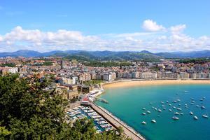 San Sebastián har fina stränder.