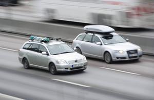Om bilarna kan prata med varandra via trådlösa nätverk kan många olyckor förebyggas.    Foto: Fredrik Sandberg/TT